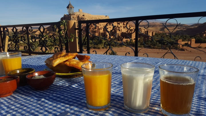 Frühstück Chez Ibrahim mit Blick auf die Kasbah