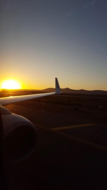 Sonnenaufgang Flughafen