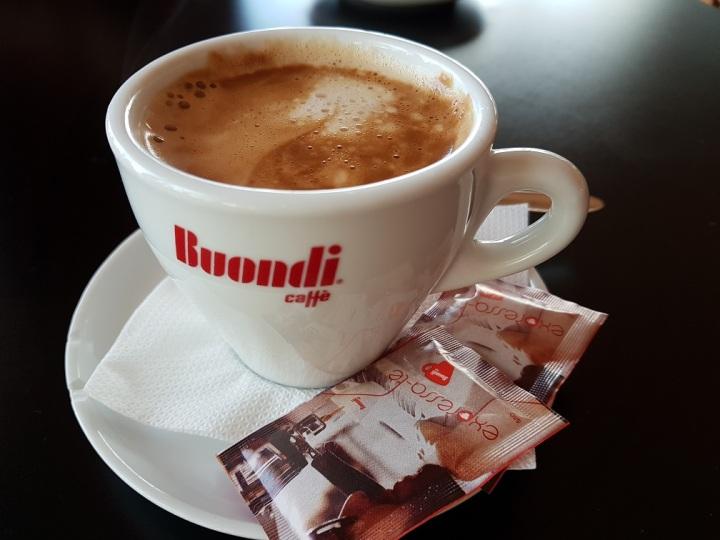 001 Milchkaffee in Povoa de Varzim