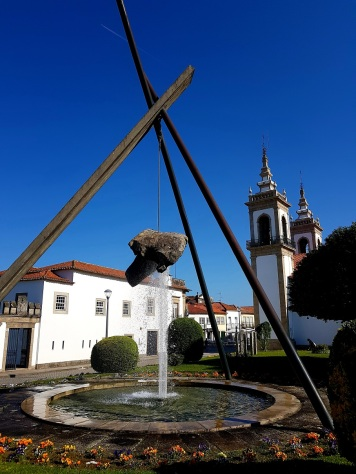 003 Brunnen mit Kirche in Vila Nova de Cerveira