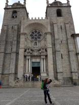 006 Vor der Kathedrale Porto, wo geht es hin