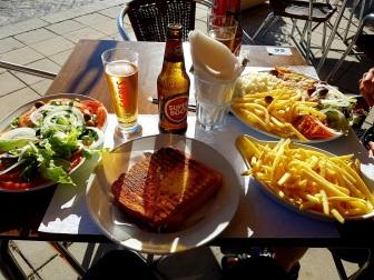 012 Abendessen am Strand