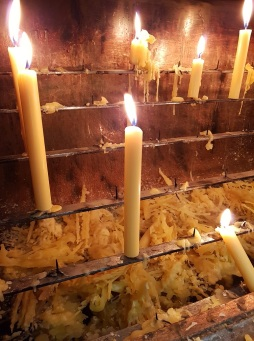 012 Kerze in der Capela de Santiago in Povoa de Varzim